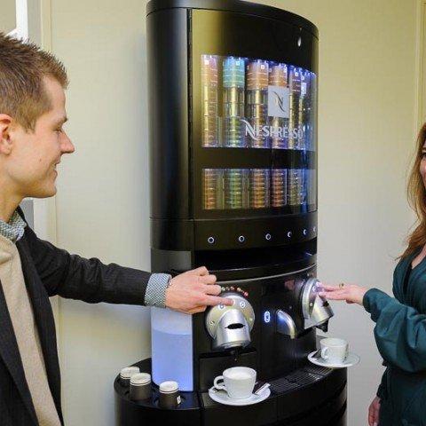 <strong>Nespresso koffieapparaat</strong> Heerlijke koffie op kantoor bij ZAPP office Rotterdam